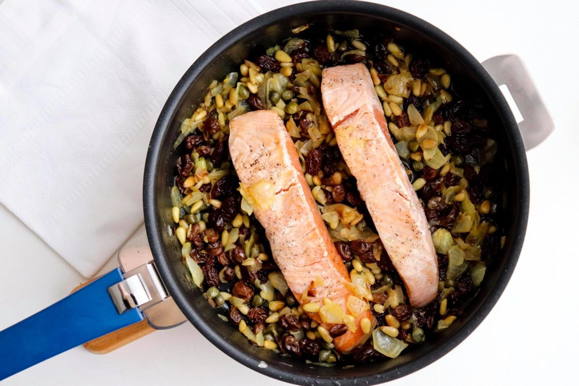 Saumon sauce aux pignons de Bridget Jones de Ottolenghi
